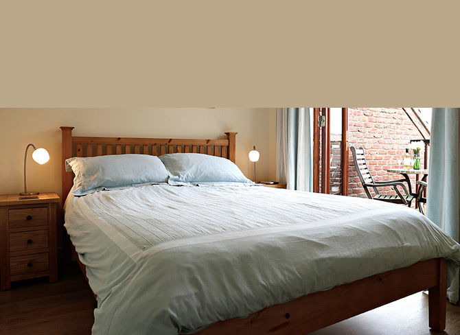 Berry Banks Cottage Luxury Self-Catering Accommodation Riverside View, Whitby